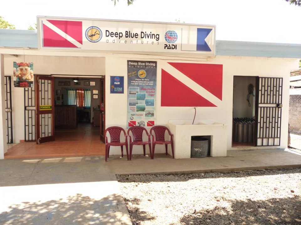 Deep Blue dive shop